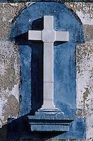 Europe/France/Bretagne/29/Finistère/Ile de Sein: Abri marin - Détail d'une croix