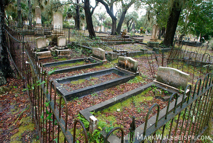The cemetery in Apalachicola southwest of Tallahassee, Florida.    (Mark Wallheiser/TallahasseeStock.com)