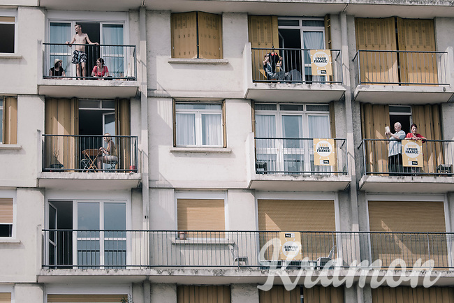 spectators at the start<br /> <br /> 104th Tour de France 2017<br /> Stage 7 - Troyes &rsaquo; Nuits-Saint-Georges (214km)