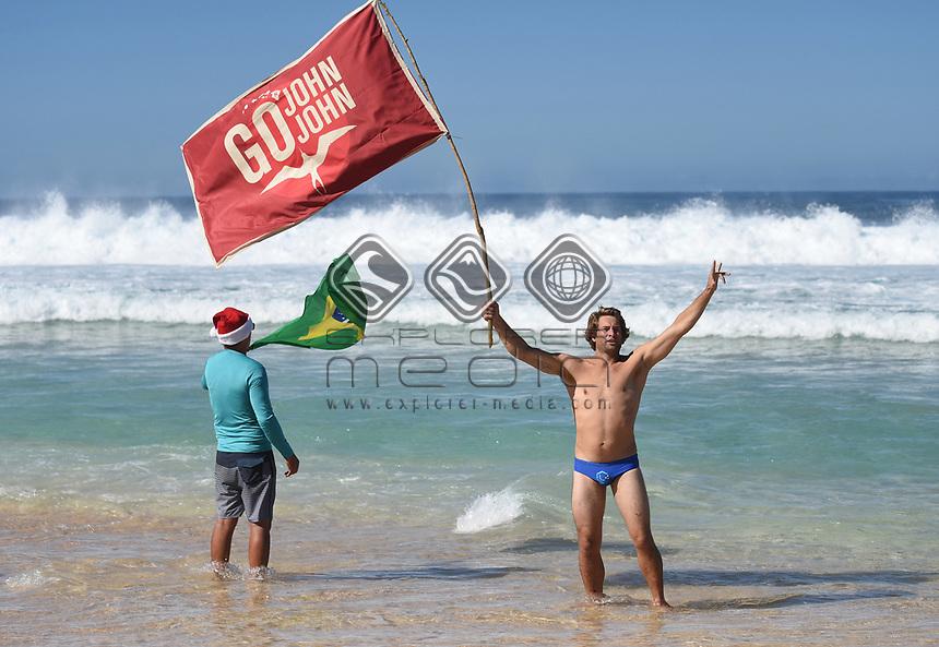 John John Florence fan.<br /> 2017 Billabong Pipe Masters, Oahu, Hawaii, USA. World Surf League (WSL). Monday 18 December 2017. &copy; Copyright photo: Andrew Cornaga / www.photosport.nz