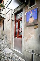 """Arcumeggia il paese dipinto in provincia di Varese. ?Severin bef poc vin""""  di  F. Usellini 1964"""