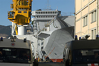 - the Cavour aircraft carrier under construction at Fincantieri shipyards  of Muggiano (La Spezia)....- la portaerei Cavour in costruzione presso i cantieri navali  Fincantieri di Muggiano (La Spezia)