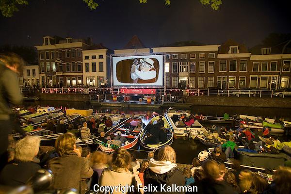 Utrecht, 14 september 2008.Drijf In.Openluchtbioscoop aan de Bemuurde Weerdsluis, Uitfeest.Foto Felix Kalkman