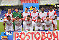 BARRANQUIILLA -COLOMBIA-25-10-2014. Jugadores de Independiente Santa Fe posan para una foto previo al encuentro con Uniautonoma por la fecha 16 de la Liga Postobón II 2014 jugado en el estadio Metropolitano de la ciudad de Barranquilla./ Players of Independiente Santa Fe pose to a photo prior a match against Uniautonoma for the 16th date of the Postobon League II 2014 played at Metropolitano stadium in Barranquilla city.  Photo: VizzorImage/Alfonso Cervantes/STR