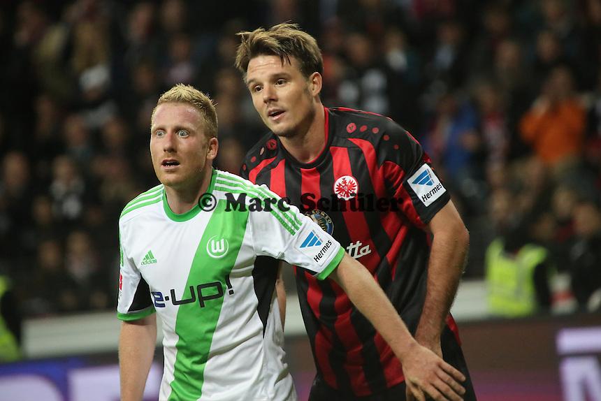 Patrick Ochs (Wolfsburg) gegen Alex Meier (Eintracht) - Eintracht Frankfurt vs. VfL Wolfsburg, Commerzbank Arena