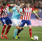 Atletico de Madrid's Jose Maria Gimenez (l) and Gabi Fernandez (r) and PSV Eindhoven's Luuk de Jong during UEFA Champions League match. March 15,2016. (ALTERPHOTOS/Acero)