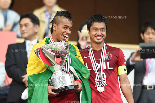 (L-R) Caio, Mitsuo Ogasawara (Antlers), <br /> OCTOBER 31, 2015 - Football / Soccer : <br /> 2015 J.League Yamazaki Nabisco Cup <br /> final match between Kashima Antlers 3-0 Gamba Osaka <br /> at Saitama Stadium 2002 in Saitama, Japan. <br /> (Photo by AFLO SPORT)
