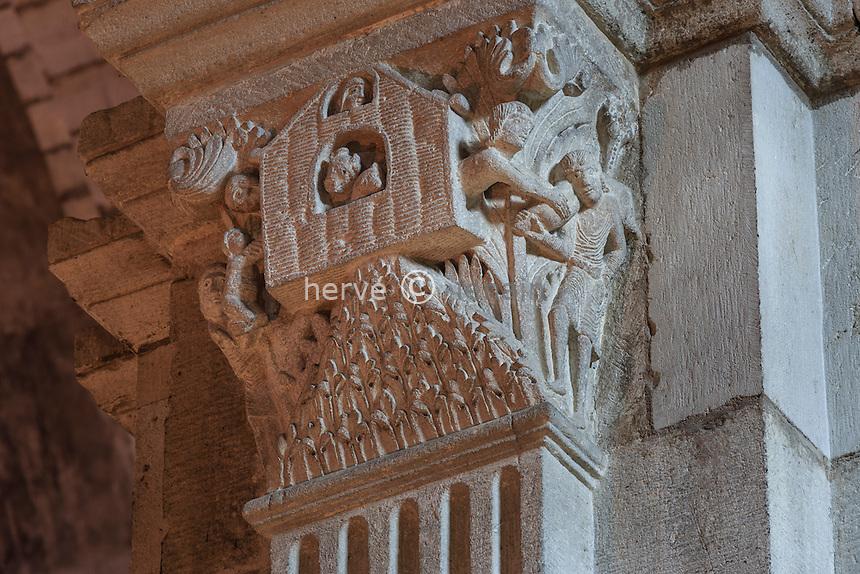 France, Saône-et-Loire (71), Autun, la cathédrale Saint-Lazare d'Autun, chapiteau, l' arche de Noé // France, Saone et Loire, Autun,Saint Lazare Cathedral, capital