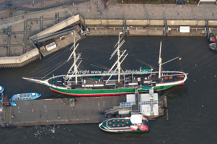 4415/ SS Rickmer Rickmers: EUROPA, DEUTSCHLAND, HAMBURG, (EUROPE, GERMANY), 14.11.2005 Die SS RICKMER RICKMERS wurde im Jahre 1896 als Vollschiff aus Stahl auf Querspanten auf der firmeneigenen Werft in Bremerhaven gebaut und nach dem Enkel des Firmengründers benannt. .Der Rumpf ist 97 m lang, 12,20 m breit, der Tiefgang betrug 6 m.  Das Schiff war zu der Zeit mit 1.980 BRT und 3.067 TDW vermessen, die mittlere Raumtiefe betrug 7,70 m. Als Vollschiff hatte der Segler eine Segelfläche von 3.500 m2. Die Indienststellung erfolgte im August 1896. Landungsbruecken, Museumschiff..