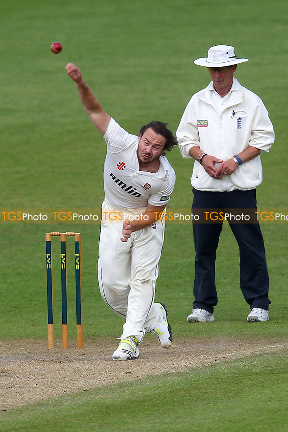 Graham Napier in bowling action for Essex - Worcestershire CCC vs Essex CCC - LV County Championship Division Two Cricket at New Road, Worcester - 31/05/13 - MANDATORY CREDIT: Gavin Ellis/TGSPHOTO - Self billing applies where appropriate - 0845 094 6026 - contact@tgsphoto.co.uk - NO UNPAID USE