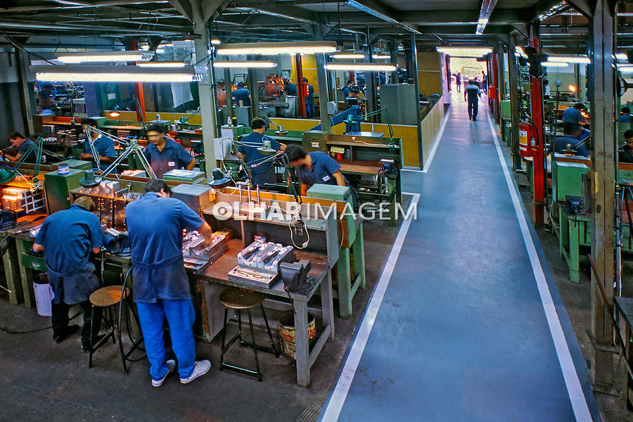 Industria de moldes, São Paulo. 1996. Foto  Juca Martins.