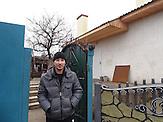 """Alexander Lysak ist seit dem Krieg Invalide. Kaum eine andere Stadt im Donbass hat so sehr unter den Kriegshandlungen gelitten wie Debalzewe. Heute versuchen die Separatisten der """"Donezker Volksrepublik"""", Debalzewe als Musterstadt wieder aufzubauen."""