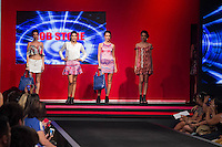 S&Atilde;O PAULO-SP-03.03.2015 - INVERNO 2015/MEGA FASHION WEEK -Grife Job store/<br /> O Shopping Mega Polo Moda inicia a 18&deg; edi&ccedil;&atilde;o do Mega Fashion Week, (02,03 e 04 de Mar&ccedil;o) com as principais tend&ecirc;ncias do outono/inverno 2015.Com 1400 looks das 300 marcas presentes no shopping de atacado.Br&aacute;z-Regi&atilde;o central da cidade de S&atilde;o Paulo na manh&atilde; dessa segunda-feira,02.(Foto:Kevin David/Brazil Photo Press)