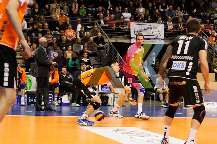 Keine Chance fuer Berlins Kawika Shoji (Nr. 7) <br /> <br /> 04.02.15 Volleyball, 1. Bundesliga, Maenner, Saison 2014/15, Berlin Recycling Volleys - TV Rottenburg<br /> <br /> Foto &copy; PIX *** Foto ist honorarpflichtig! *** Auf Anfrage in hoeherer Qualitaet/Aufloesung. Belegexemplar erbeten. Veroeffentlichung ausschliesslich fuer journalistisch-publizistische Zwecke. For editorial use only.
