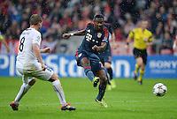FUSSBALL   CHAMPIONS LEAGUE   SAISON 2013/2014   Vorrunde FC Bayern Muenchen - FC Viktoria Pilsen       23.10.2013 David Alaba (re, FC Bayern Muenchen) erzielt hier das Tor zum 2-0 gegen David Limbersky