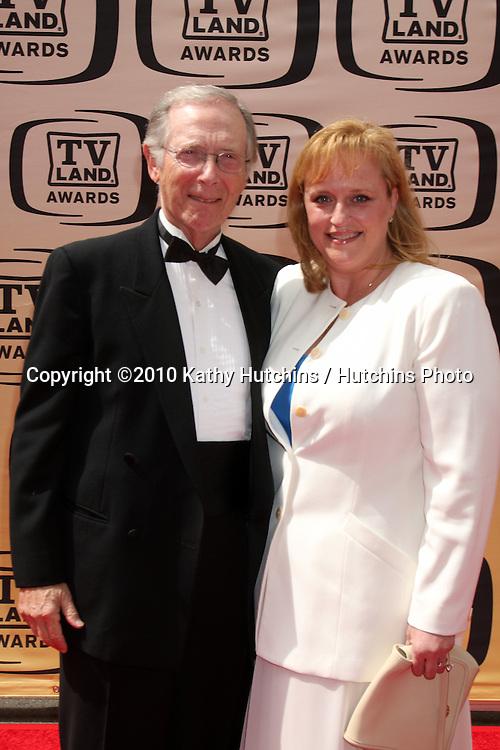 Bernie Koppell.arrives at the 2010 TV Land Awards.Sony Studios.Culver City, CA.April 17, 2010.©2010 Kathy Hutchins / Hutchins Photo...