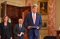 July 30, 2013  (Washington, D.C.)  U.S. Secretary of state John Kerry enters the Benjamin Franklin Room at the Department of State with Israeli Justice Minister Tzipi Livni (left) and Palestinian Chief Negotiator Dr. Saeb Erekat as they engage in Middle East peace talks. (Photo by Don Baxter/Media Images International)
