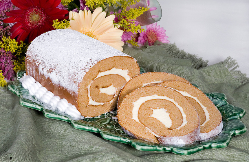 Pumpkin Roll with Cream Fillin