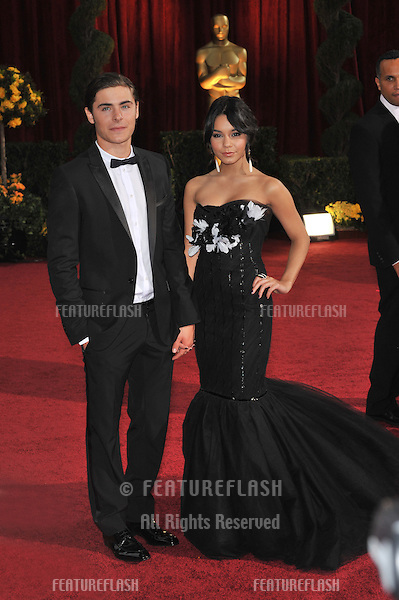 Zac Efron & Vanessa Hudgens at the 81st Academy Awards at the Kodak Theatre, Hollywood..February 22, 2009  Los Angeles, CA.Picture: Paul Smith / Featureflash
