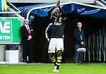 Solna 2015-07-26 Fotboll Allsvenskan AIK - IF Elfsborg :  <br /> AIK:s Henok Goitom appl&aring;derar publiken n&auml;r han byts ut under matchen mellan AIK och IF Elfsborg <br /> (Foto: Kenta J&ouml;nsson) Nyckelord:  AIK Gnaget Friends Arena Allsvenskan Elfsborg IFE jubel gl&auml;dje lycka glad happy