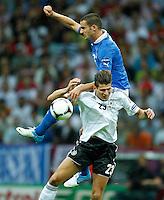 WARSAW, POLONIA, 28 JUNHO 2012 - EURO 2012 - ALEMANHA X ITALIA - Mario Gomes jogador da Alemanha durante lance contra Leonardo Bonucci da Italia, em partida pelas semi-finais da Euro 2012 em Warsaw na Polonia nesta quinta-feira, 28. (FOTO: PIXATHLON / BRAZIL PHOTO PRESS).