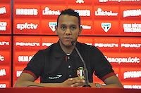 SÃO PAULO,SP, 29.04.2015 - SÃO PAULO FC / COLETIVA SOUZA - O volante Souza do São Paulo durante coletiva de imprensa no Centro de Treinamento na Barra Funda região oeste de São Paulo, nesta quarta-feira, 29. (Foto: Bruno Ulivieri / Brazil Photo Press).