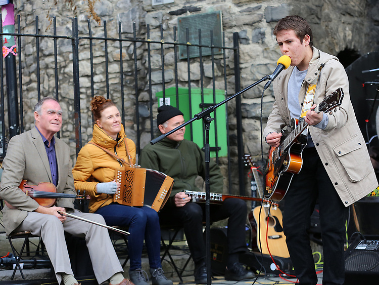 Darryl Kelly at Music at the Gate, Laurence's Gate<br /> <br /> <br /> photo - Jenny Matthews
