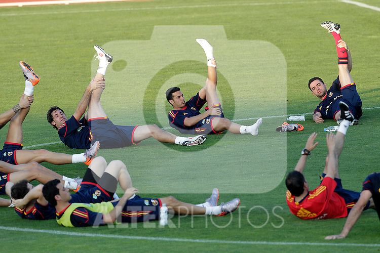 MADRID (24/05/09).- The Spanish Soccer national team has officially begun their hunt for the championship, arriving in the Madrid municipality of Las Rozas to begin preparing for South Africa World Cup.  Joan Capdevila, Pedro Rodriguez and Xavi Hermnandez...PHOTO: Cesar Cebolla / ALFAQUI