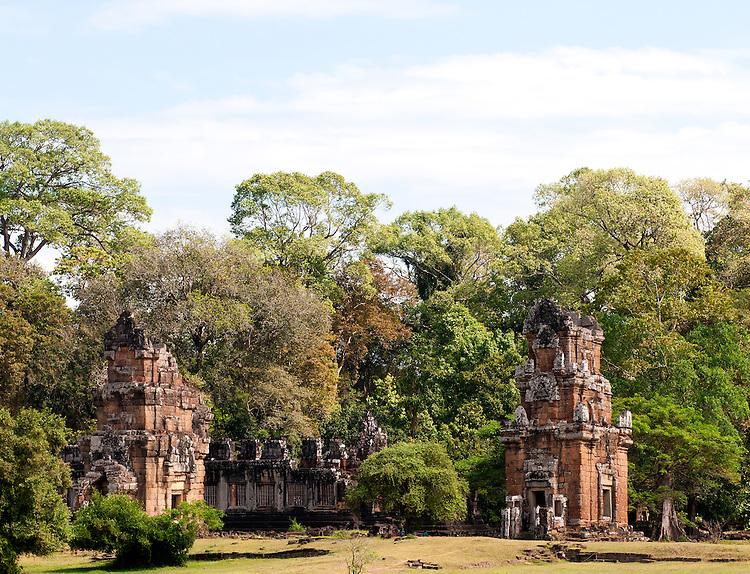 Suor Prat Towers 03 - Suor Prat Towers, Angkor Thom, Cambodia