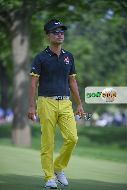 Kevin Na (USA) after sinking his putt on 2 during 2nd round of the World Golf Championships - Bridgestone Invitational, at the Firestone Country Club, Akron, Ohio. 8/3/2018.<br /> Picture: Golffile | Ken Murray<br /> <br /> <br /> All photo usage must carry mandatory copyright credit (© Golffile | Ken Murray)