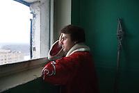 RUSSLAND, Moskau, 12.2007. ©  Sergey Kozmin/EST&OST.Weihnachten mit Vaeterchen Frost. Besuch bei den Kindern im Plattenbau. | Christmas with Father Frost. Visiting the children in the prefab blocks.