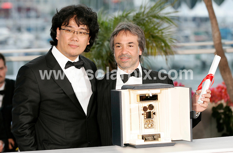 **ALL ROUND PICTURES FROM SOLARPIX.COM**                                             **UK AND SPAIN SYNDICATION RIGHTS ONLY**                                                                                  Caption: Golden Globe awards winner´s photocall at the  64th Cannes Film Festival in France.                                                                              This pic:                                                                                              JOB REF:13418        CPR/Heinz       DATE:23.05.2011                                                          **MUST CREDIT SOLARPIX.COM OR DOUBLE FEE WILL BE CHARGED**                                                                      **MUST AGREE FEE BEFORE ONLINE USAGE**                               **CALL US ON: +34 952 811 768 or LOW RATE FROM UK 0844 617 7637**
