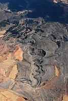 Canyon am Rio Mesa: SPANIEN, ARAGON, 10.08.2008: Landschaft der  Provinz  Aragon, Canyon, Schlucht am Rio Mesa nahe der Ortschaft Calamorza, Urlandschaft,  Form, Strucktur, Luftbild, .c o p y r i g h t : A U F W I N D - L U F T B I L D E R . de.G e r t r u d - B a e u m e r - S t i e g 1 0 2, .2 1 0 3 5 H a m b u r g , G e r m a n y.P h o n e + 4 9 (0) 1 7 1 - 6 8 6 6 0 6 9 .E m a i l H w e i 1 @ a o l . c o m.w w w . a u f w i n d - l u f t b i l d e r . d e.K o n t o : P o s t b a n k H a m b u r g .B l z : 2 0 0 1 0 0 2 0 .K o n t o : 5 8 3 6 5 7 2 0 9.C o p y r i g h t n u r f u e r j o u r n a l i s t i s c h Z w e c k e,  V e r o e f f e n t l i c h u n g  n u r  m i t  H o n o r a r  n a c h M F M, N a m e n s n e n n u n g  u n d B e l e g e x e m p l a r !...