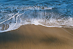 waves rolling at sandy beach<br /> <br /> Wellen rollen an Sandstrand<br /> <br /> 3360 x 2240 px<br /> Original: 35 mm
