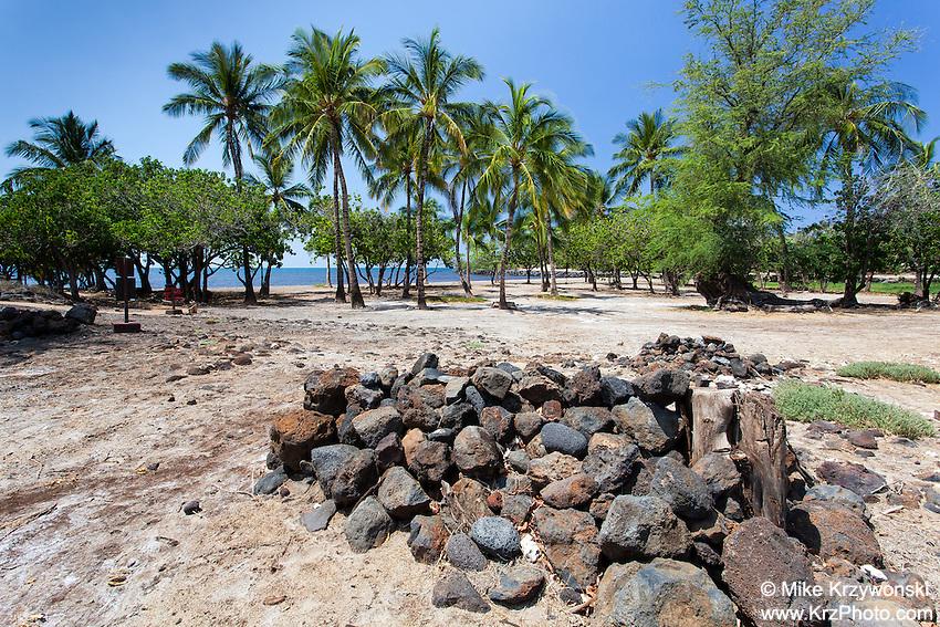 Possible burial site near Mailekini heiau, Big Island, Hawaii