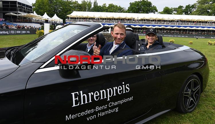 30.05.2019,  GER;  Deutsches Spring- und Dressur-Derby, Mercedes-Benz Championat of Hamburg, im Bild Sieger Peder Fredricson (SWE) im SiegerautoFoto © nordphoto / Witke *** Local Caption ***