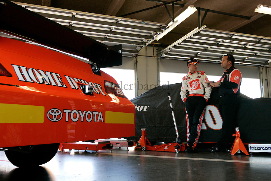 Daytona International Raceway.Greg Zipadelli and Joey Logano.© 2009, Tyler Barrick....