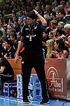 09.11.2019, Hansehalle Luebeck, GER,  2.Bundesliga Handball VfL Luebeck-Schwartau - TV Emsdetten<br /> <br /> im Bild / picture shows<br /> Trainer Daniel Kubes (TV Emsdetten) ist nachdenklich<br /> <br /> Foto © nordphoto / Tauchnitz