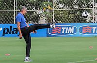 SÃO PAULO,SP, 24.03.2016 - FUTEBOL-CORINTHIANS - O técnico Tite durante treino no CT Dr. Joaquim Grava na zona leste de São Paulo na tarde desta quinta-feira (24). ( Foto : Marcio Ribeiro / Brazil Photo Press)
