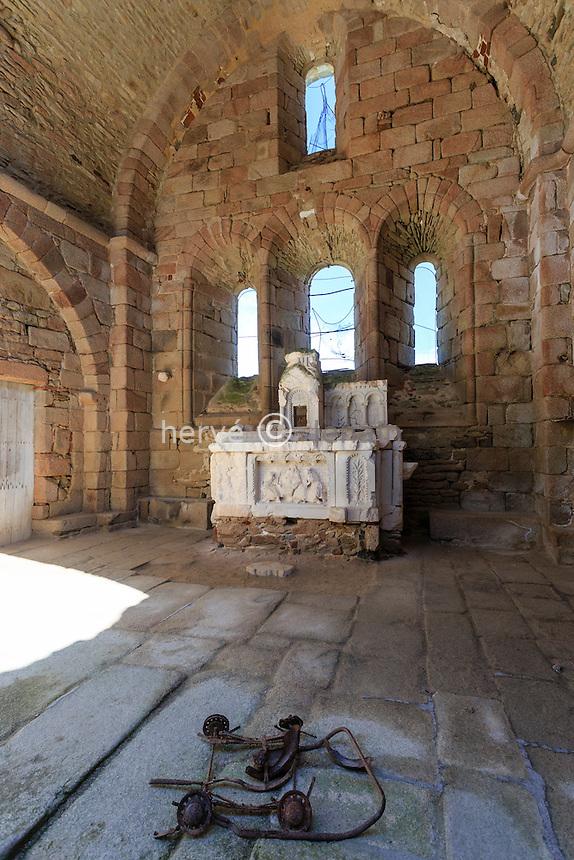 France, Haute-Vienne (87), Oradour-sur-Glane, le village martyr, l'église // France, Haute Vienne, Oradour sur Glane, ruins of the original village remain as a memorial, the church