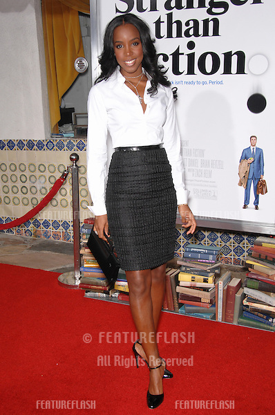 "KELLY ROWLAND - of Destiny's Child - at the Los Angeles premiere of ""Stranger than Fiction""..October 30, 2006  Los Angeles, CA.Picture: Paul Smith / Featureflash"