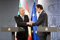 Presidents shake hands at end of Hispano-Italian meeting in Madrid