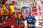 Stockholm 2014-05-03 Ishockey Oddset Hockey Games  Sverige - Finland :  <br /> Sveriges William Karlsson h&auml;lsar p&aring; unga Sverige supportrar innan matchen<br /> (Foto: Kenta J&ouml;nsson) Nyckelord:  Oddset Hockey Games Sverige Swe Tre Kronor Finland Fin Globen Ericsson Globe Arena glad gl&auml;dje lycka leende ler le supporter fans publik supporters
