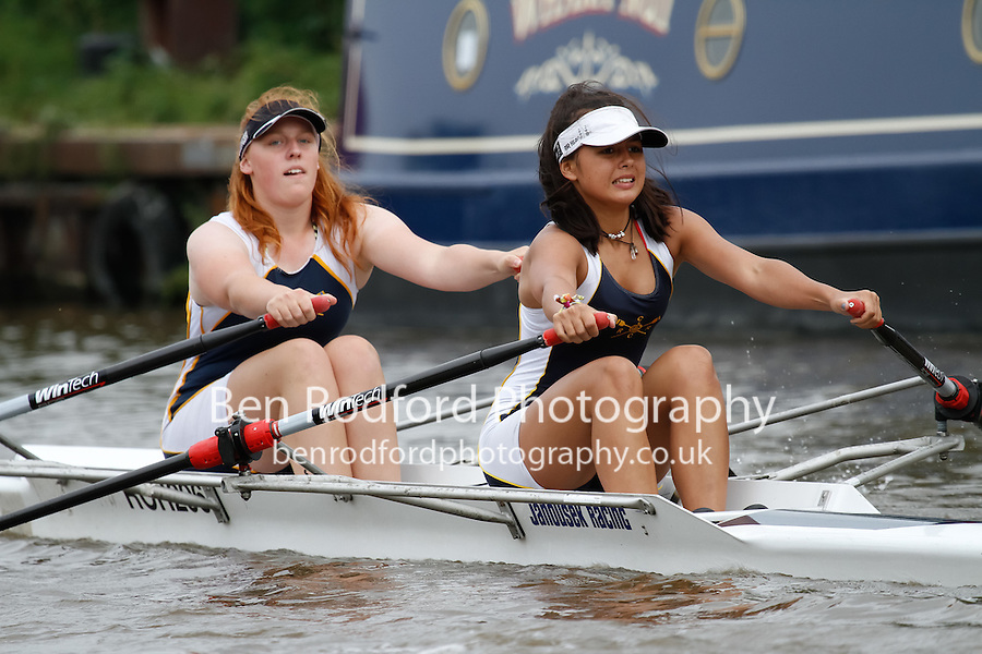 W.J16A.2x  Heat  (87) Royal Chester (Twigg) vs (88) Staines<br /> <br /> Saturday - Gloucester Regatta 2016<br /> <br /> To purchase this photo, or to see pricing information for Prints and Downloads, click the blue 'Add to Cart' button at the top-right of the page.
