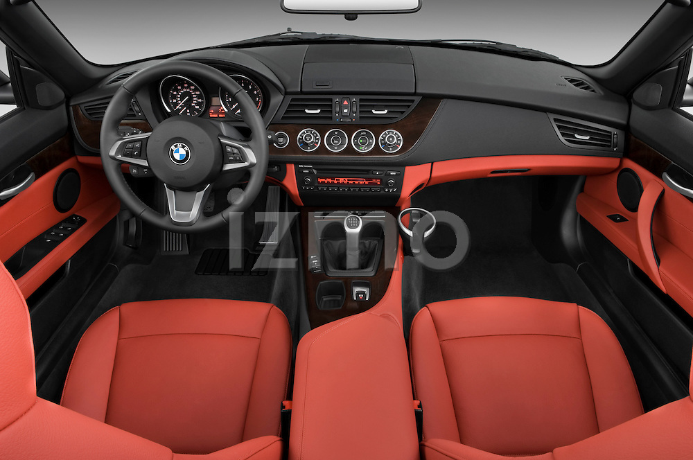 Straight dashboard view of a 2009 BMW Z4 3.0i.