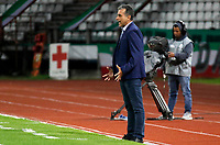 MANIZALES - COLOMBIA, 23-02-2020: Nelson Gomez técnico del Patriotas gesticula durante partido por la fecha 6 de la Liga BetPlay DIMAYOR I 2020 entre Once Caldas y Patriotas Boyacá jugado en el estadio Palogrande de la ciudad de Manizalez. / Nelson Gomez coach of Patriotas gestures during match for the date 6 as part of BetPlay DIMAYOR League I 2020 between Once Caldas and Patriotas Boyaca played at the Palogrande stadium in Manizales city. Photo: VizzorImage / Santiago Osorio / Cont