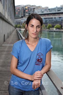 Genève, le 27.07.2009.Fanny Vaucher, végétalienne convaincue,s'engage pacifiquement pour la libération et l'égalité animales. © Le Courrier / J.-P. Di Silvestro