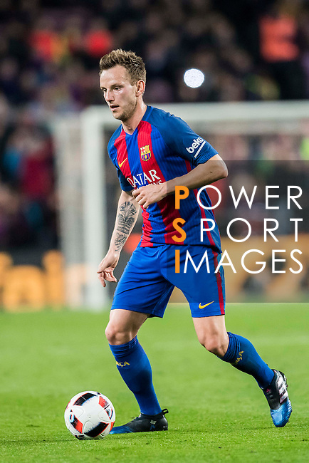 Ivan Rakitic of FC Barcelona in action during their Copa del Rey 2016-17 Semi-final match between FC Barcelona and Atletico de Madrid at the Camp Nou on 07 February 2017 in Barcelona, Spain. Photo by Diego Gonzalez Souto / Power Sport Images