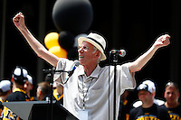 Mike Lange speaks on stage during the Pittsburgh Penguins Stanley Cup victory parade in downtown Pittsburgh, Pennsylvania on June 15, 2016. (Photo by Jared Wickerham / DKPS)
