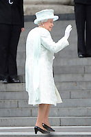 LONDRES, INGLATERRA, 05 DE JUNHO 2012 - JUBILEU DE DIAMANTE DA RAINHA ELIZABETH - A rainha Elizabeth chega a Catedral de Sao Paulo durante o Jubileu de Diamante da Rainha em Londres capital do Reino Unido, nesta terça-feira, 05. (FOTO: BILLY CHAPPEL / ALFAQUI / BRAZIL PHOTO PRESS)